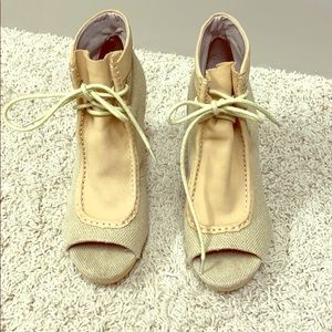 Anthropologie Shoes - Anthropologie Sandals size 9